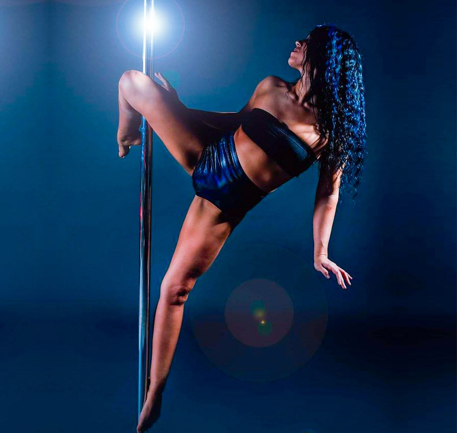 Pole Dancing - Flying Chinese Pole - Classes in Texas